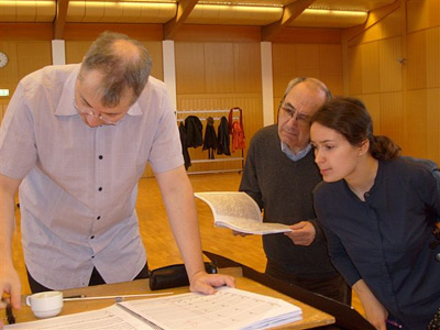 working on the score, with conductor stefan asbury, and violin player patricia kopatchinskaja