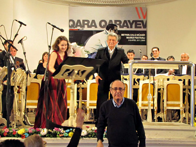 After the concert in Baku, April 8, 2011